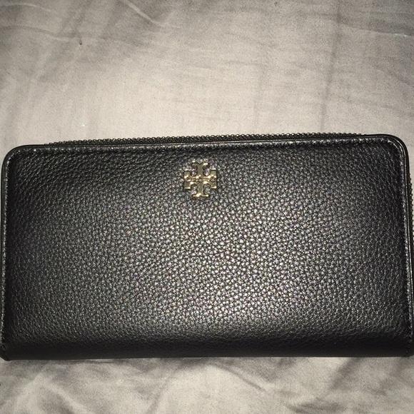 b33335228d8b Tory Burch Black Wallet